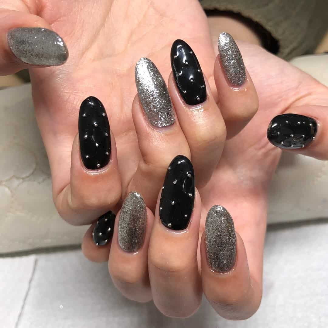 Top Tips to Get Stylish Black Nail Designs 2021 (55 Photos+Videos)