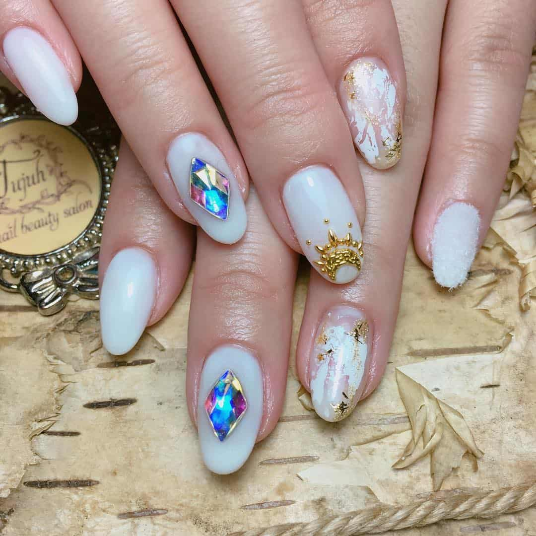wedding-nails-art-2019