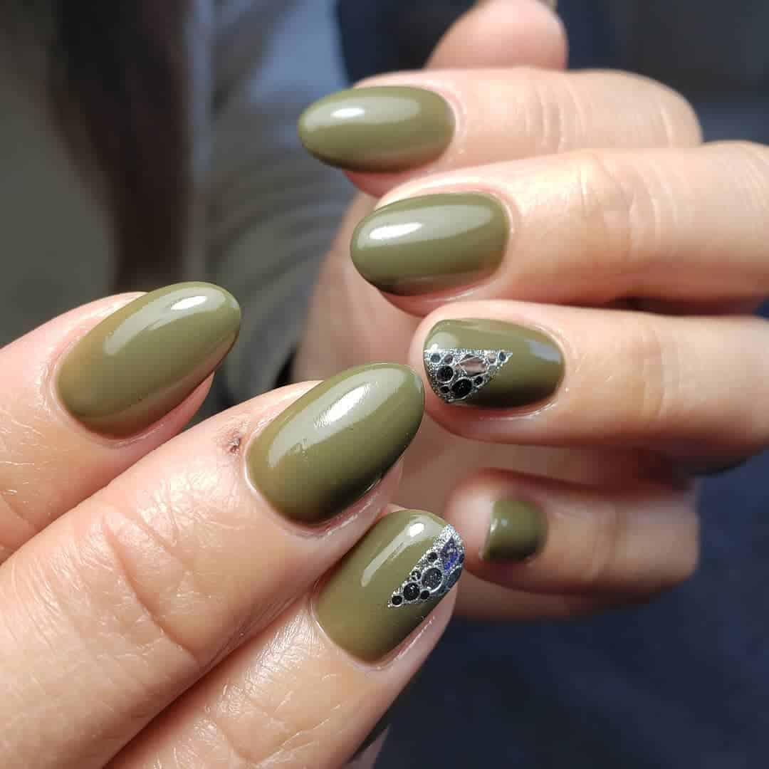 Winter-nail-colors-2020