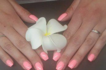 pink-nails-2020