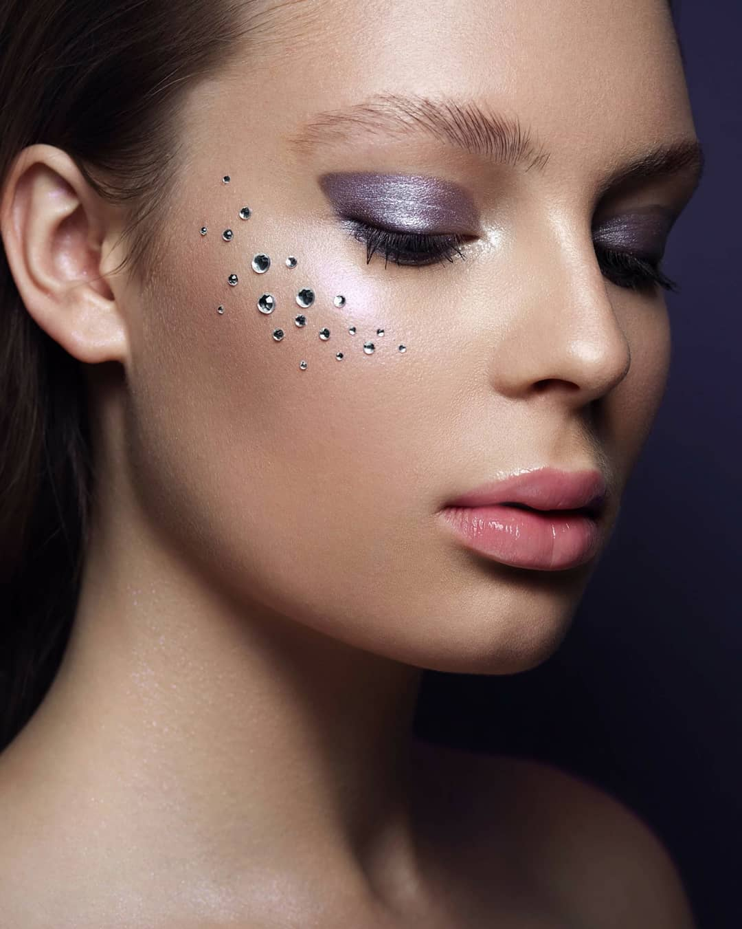 Fashion-makeup-2019-Unique-trendy-fashion-makeup-looks-2019