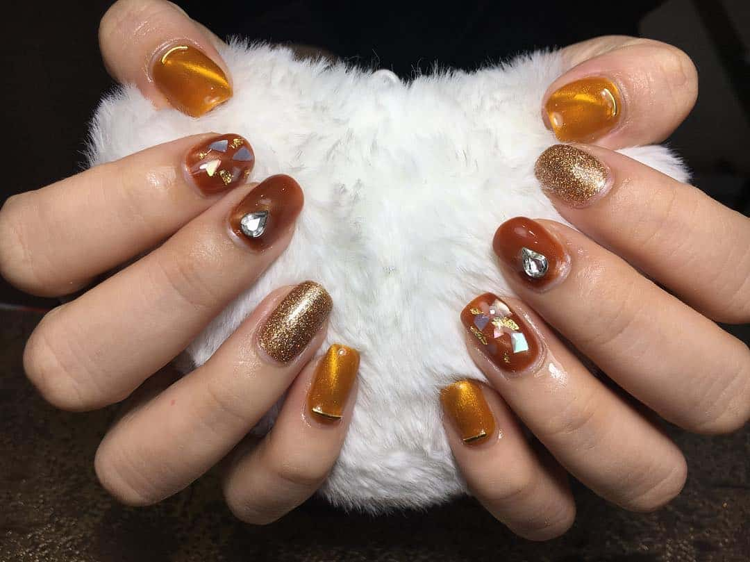 Fall-nails-2020-Several-tips-for-the-coolest-current-nail-trends-2020