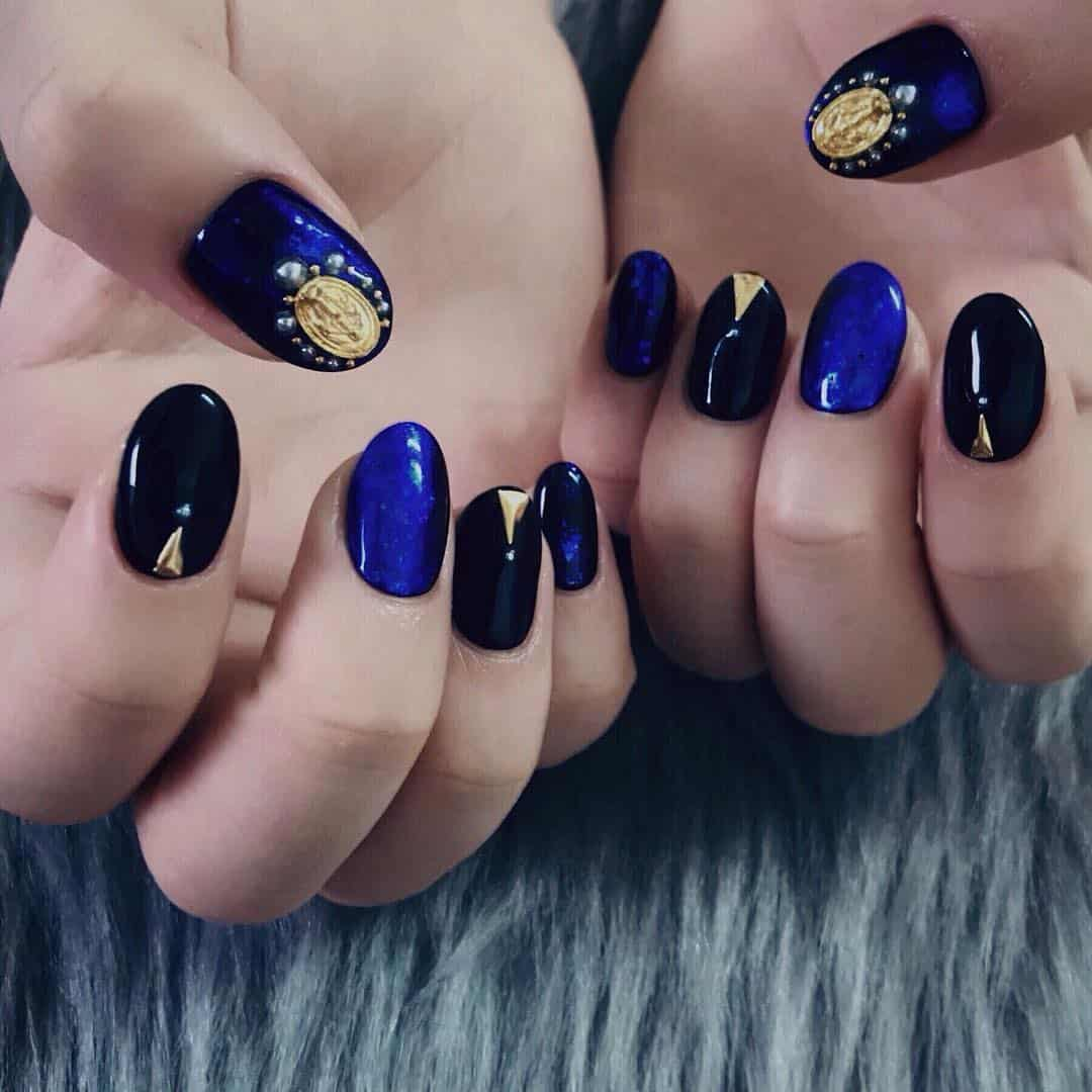 Nail-designs-2019-Best-tips-to-get-dazzling-and-eye-catching-nail-design