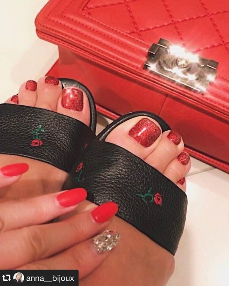 Red-Nails-2020
