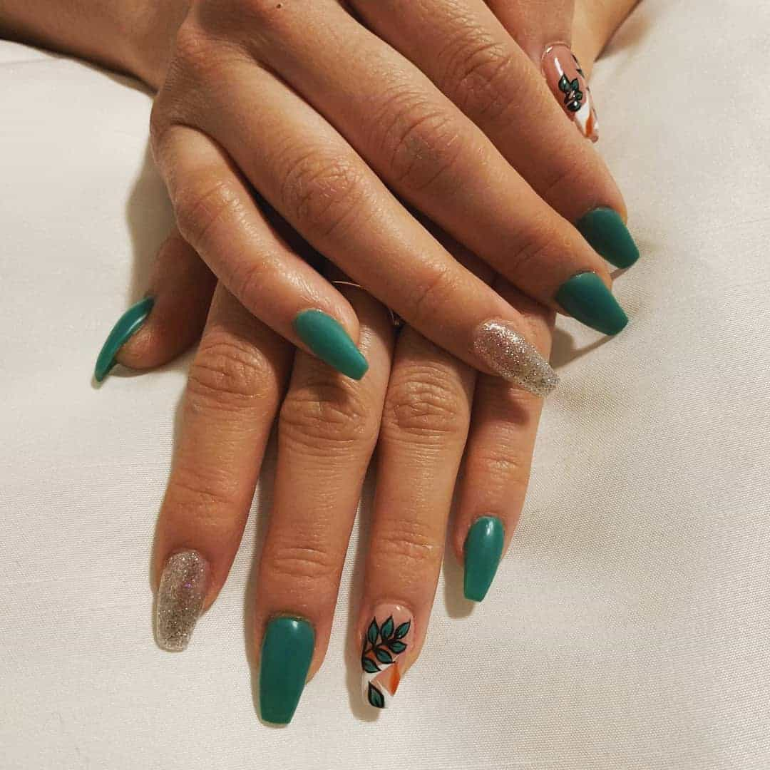 Summer-nail-art-2019-Bright-colored-and-stylish-summer-nail-art-ideas-2019