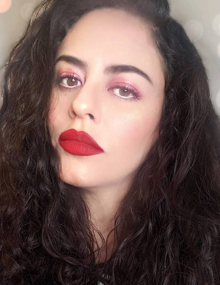 Lipstick color trend 2020 of scarlet gloss