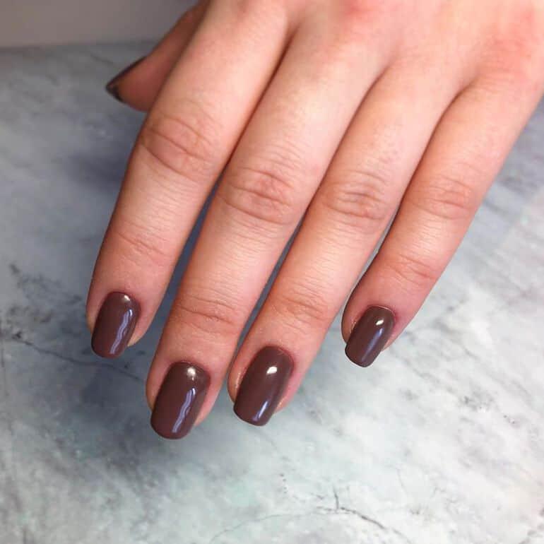 Nail polish colors 2022: brown hues