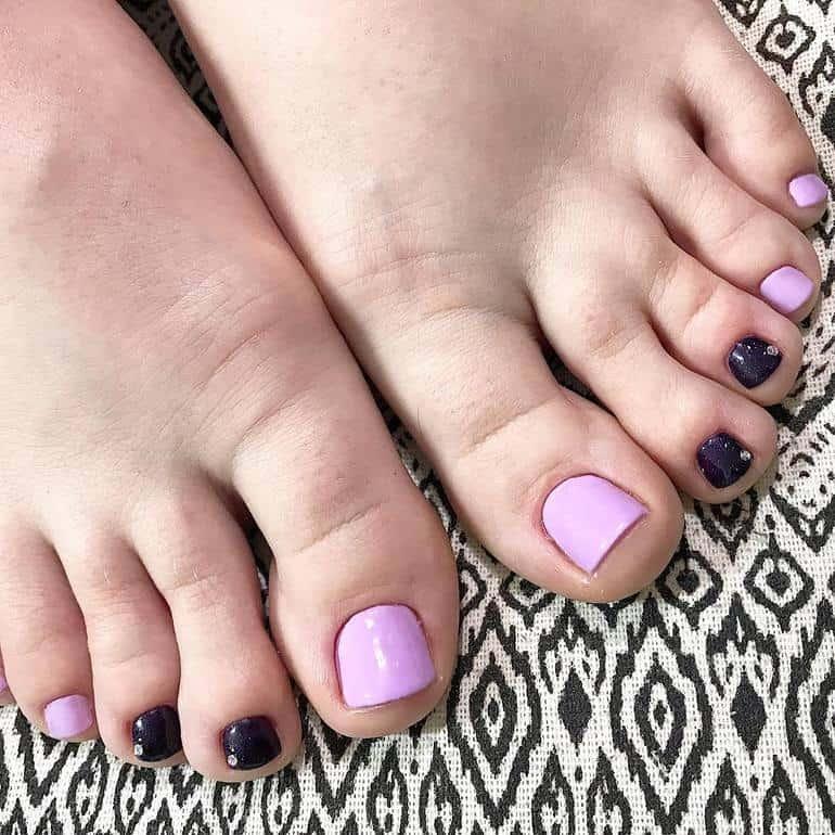 Violet pedicure 2020