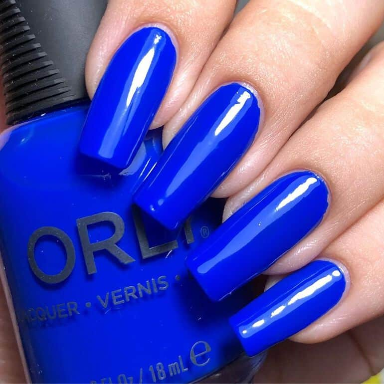 Top nail polish colors 2020: cobalt blue